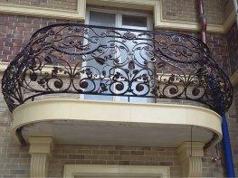 Кованое ограждение балконе