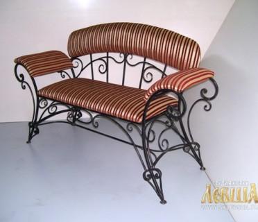 Кованые диваны и скамейки
