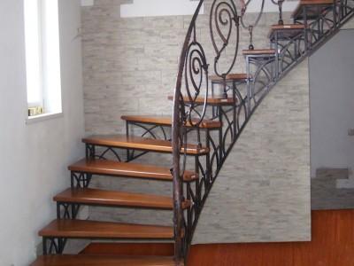 Кованая лестница КЛ03
