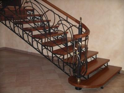 Деревянная лестница ДЛМ10