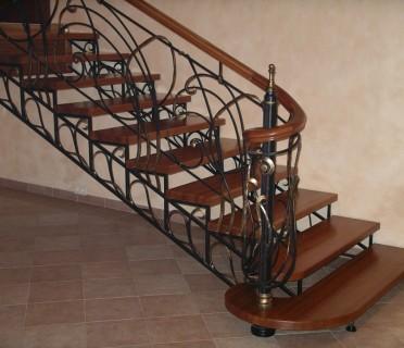 Кованая лестница КЛ06