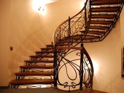 Деревянная лестница ДЛМ11