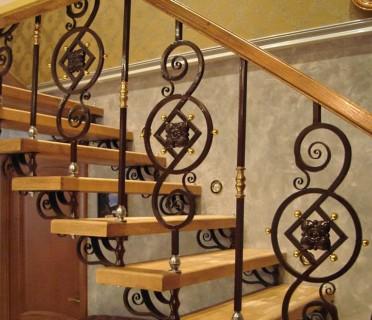 Кованая лестница КЛ08