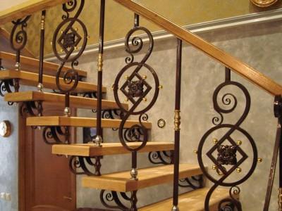 Деревянная лестница ДЛМ12