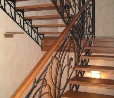 Деревянная лестница ДЛМ13