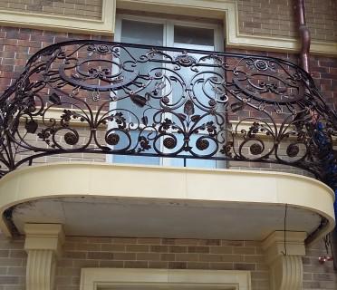 Кованое ограждение балкона БК83