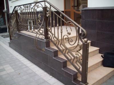 Кованые перила лестничные ПЕРК129