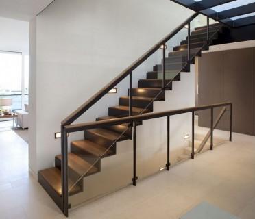 Деревянная лестница ДЛБ02