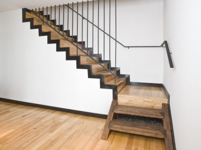 Деревянная лестница ДЛБ04