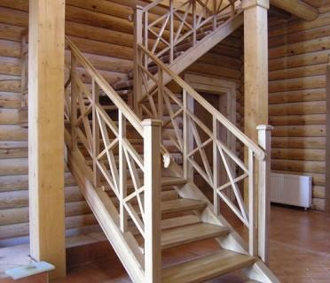 Деревянная лестница ДЛД14