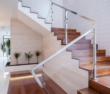 Деревянная лестница ДЛБ10