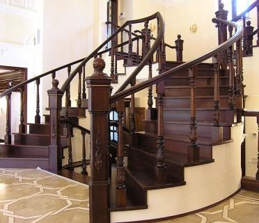 Деревянная лестница ДЛБ13