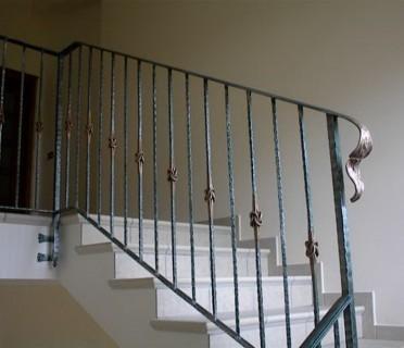Кованые перила лестничные ПЕРК71